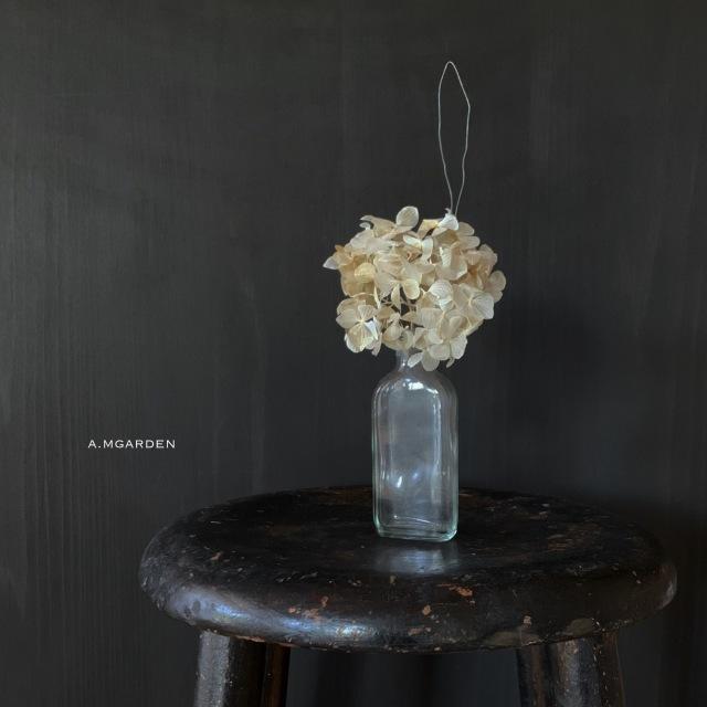 White dry 紫陽花。_b0125443_11071033.jpeg