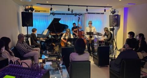 Jazzlive Comin ジャズライブ カミン広島 本日4月21日はおやすみです。_b0115606_10515908.jpeg
