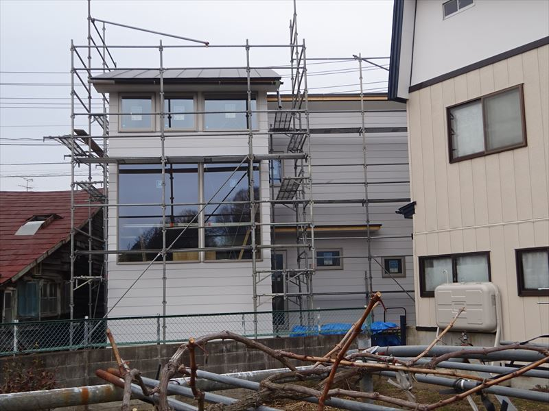 中野 「曲面天井の家」 大工工事進行中!_f0105112_04221358.jpg