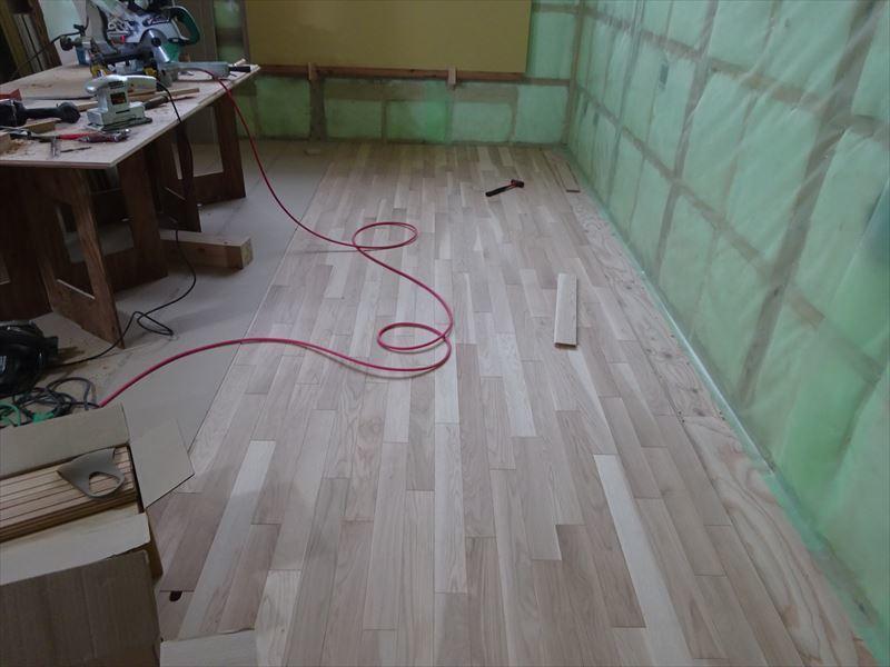 中野 「曲面天井の家」 大工工事進行中!_f0105112_04281632.jpg