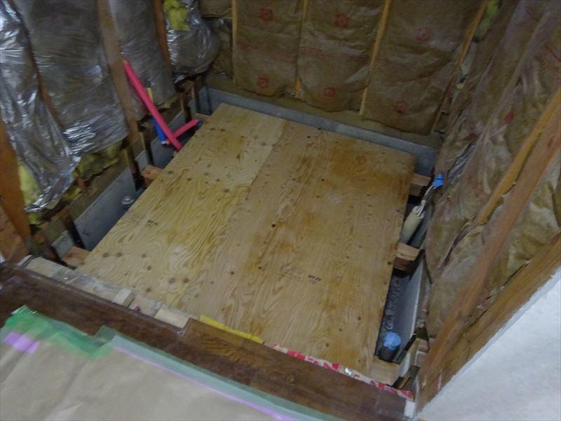 古い浴室のリフォーム工事_f0105112_04480166.jpg