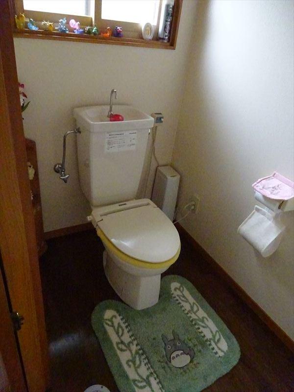トイレのリフォーム工事_f0105112_05165351.jpg