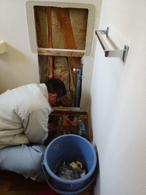 トイレのリフォーム工事_f0105112_05220059.jpg