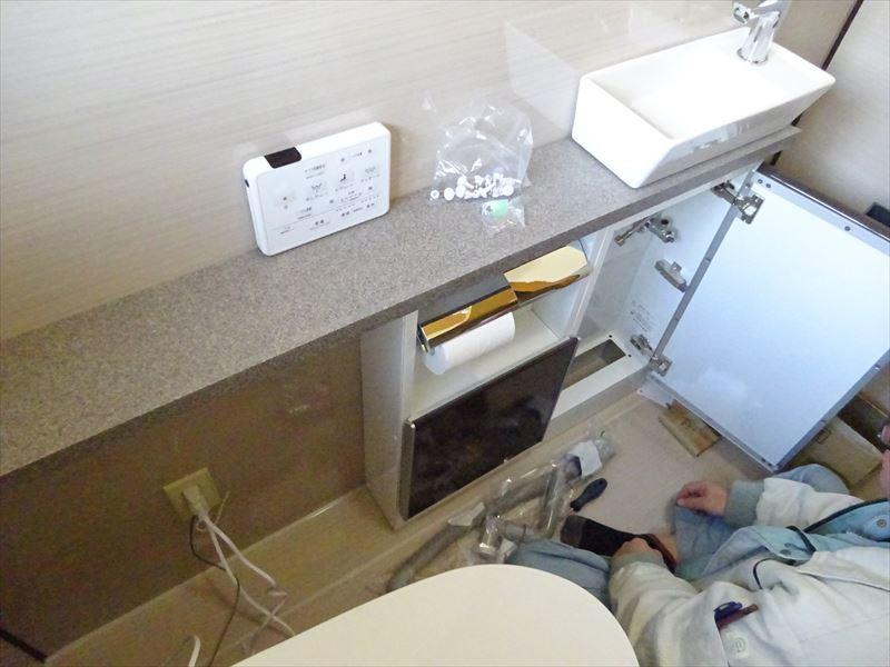 トイレのリフォーム工事_f0105112_05282804.jpg
