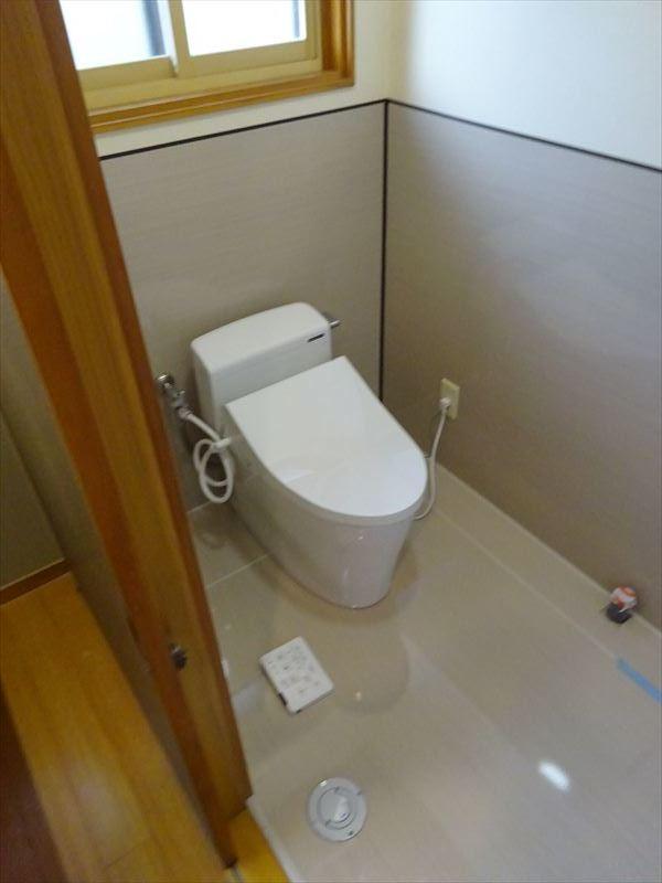 トイレのリフォーム工事_f0105112_05282853.jpg