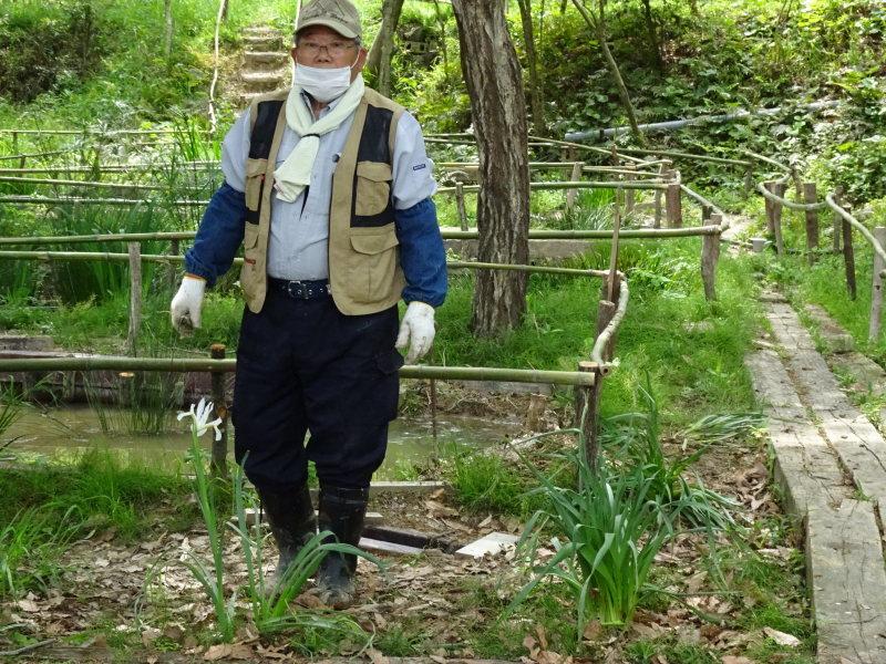 ビオトープの水漏れ補修とササユリ管理・・・うみべの森_c0108460_16543643.jpg