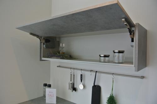 展示品食器棚のSALE 内部公開!_e0122666_15445443.jpg