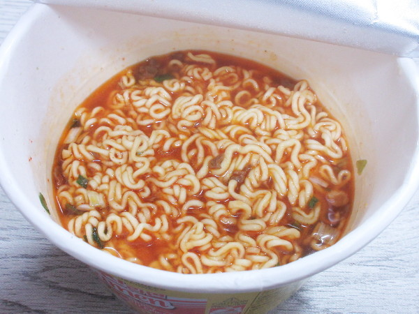 【オットギ】JIN(ジン)ラーメン(辛口)カップ麺_c0152767_20413066.jpg