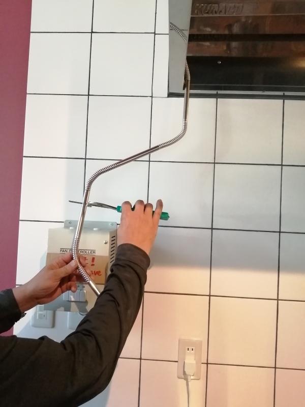 お風呂を作り始めました と 換気扇の細工。_d0180447_00321122.jpg