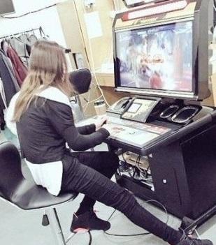トップアイドル出身女優、ナム・ギュリ 整形で完璧な顔に!複数の事務所かけもちで芸能界干されてた?(実の姉)日本でも活動していた??すっぴん!_f0158064_14180737.jpg