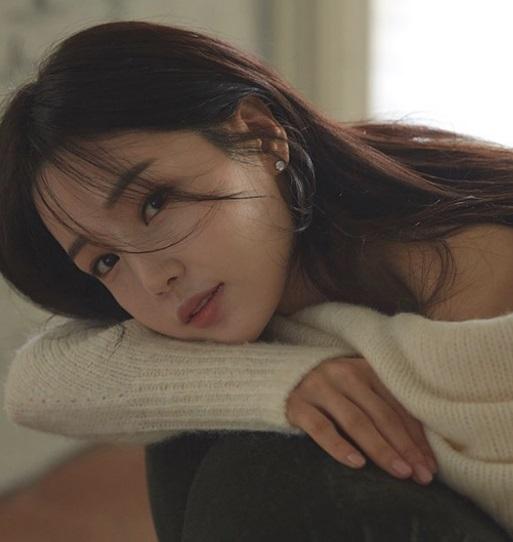 トップアイドル出身女優、ナム・ギュリ 整形で完璧な顔に!複数の事務所かけもちで芸能界干されてた?(実の姉)日本でも活動していた??すっぴん!_f0158064_14230884.jpg
