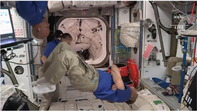 クルードラゴンも再使用型 星出さん搭乗 クルードラゴン Crew-2打ち上げ & ISS到着_f0079085_22581049.png