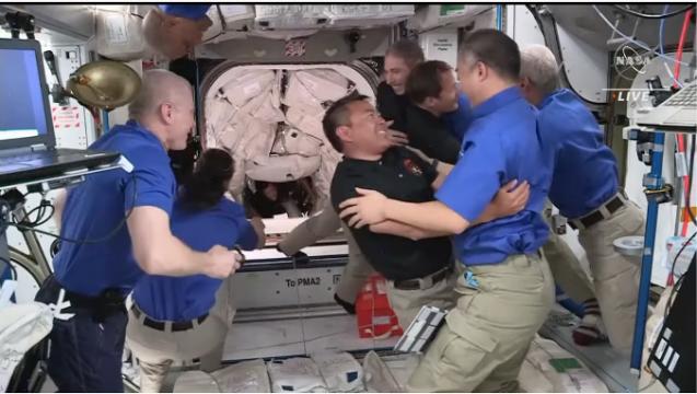 クルードラゴンも再使用型 星出さん搭乗 クルードラゴン Crew-2打ち上げ & ISS到着_f0079085_22581793.png