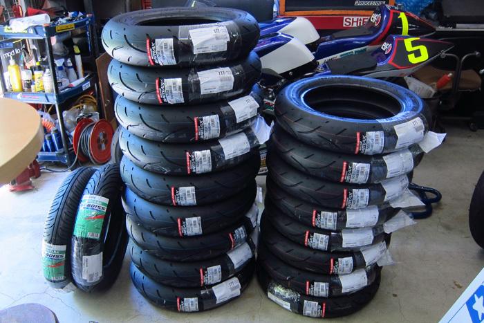 ブリヂストン レーシングミニタイヤS01/S02入荷しました_d0067418_15232995.jpg