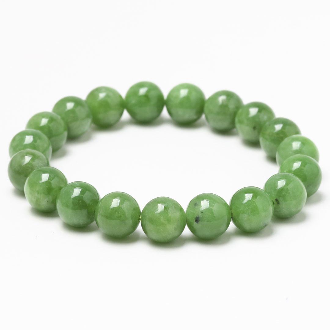 新緑を思わすみずみずしいネフライトのブレスレット_d0303974_13483617.jpg
