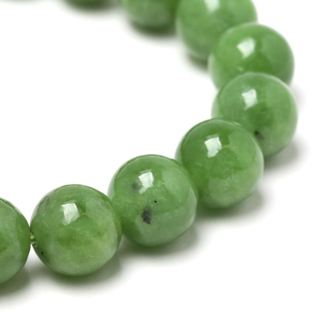 新緑を思わすみずみずしいネフライトのブレスレット_d0303974_13500488.jpg