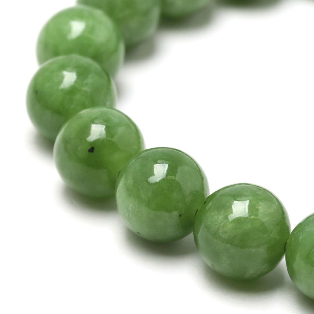 新緑を思わすみずみずしいネフライトのブレスレット_d0303974_13501555.jpg