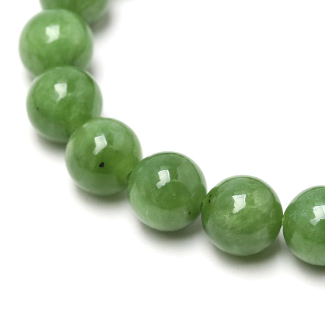 新緑を思わすみずみずしいネフライトのブレスレット_d0303974_13512804.jpg