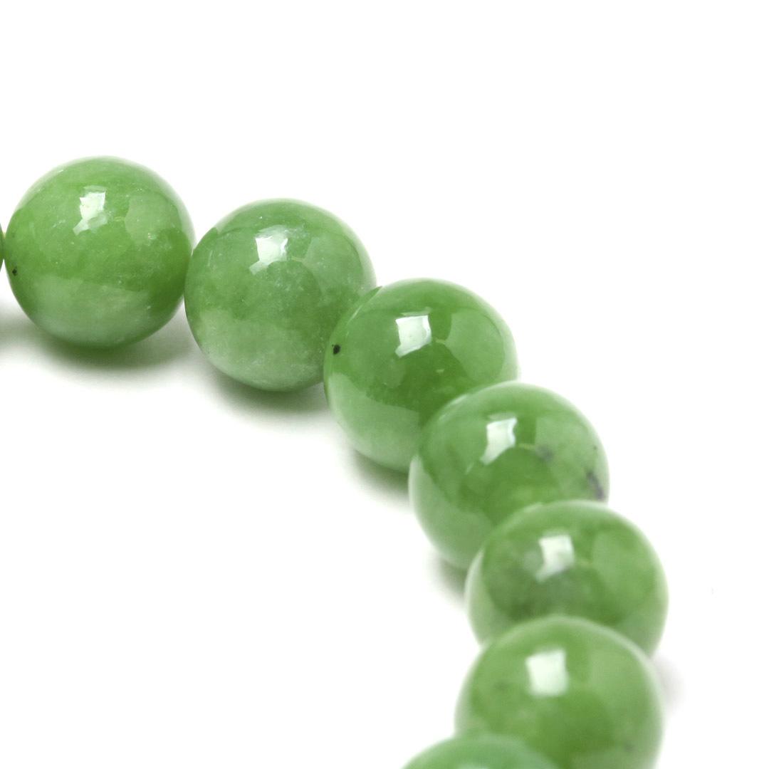 新緑を思わすみずみずしいネフライトのブレスレット_d0303974_13514621.jpg
