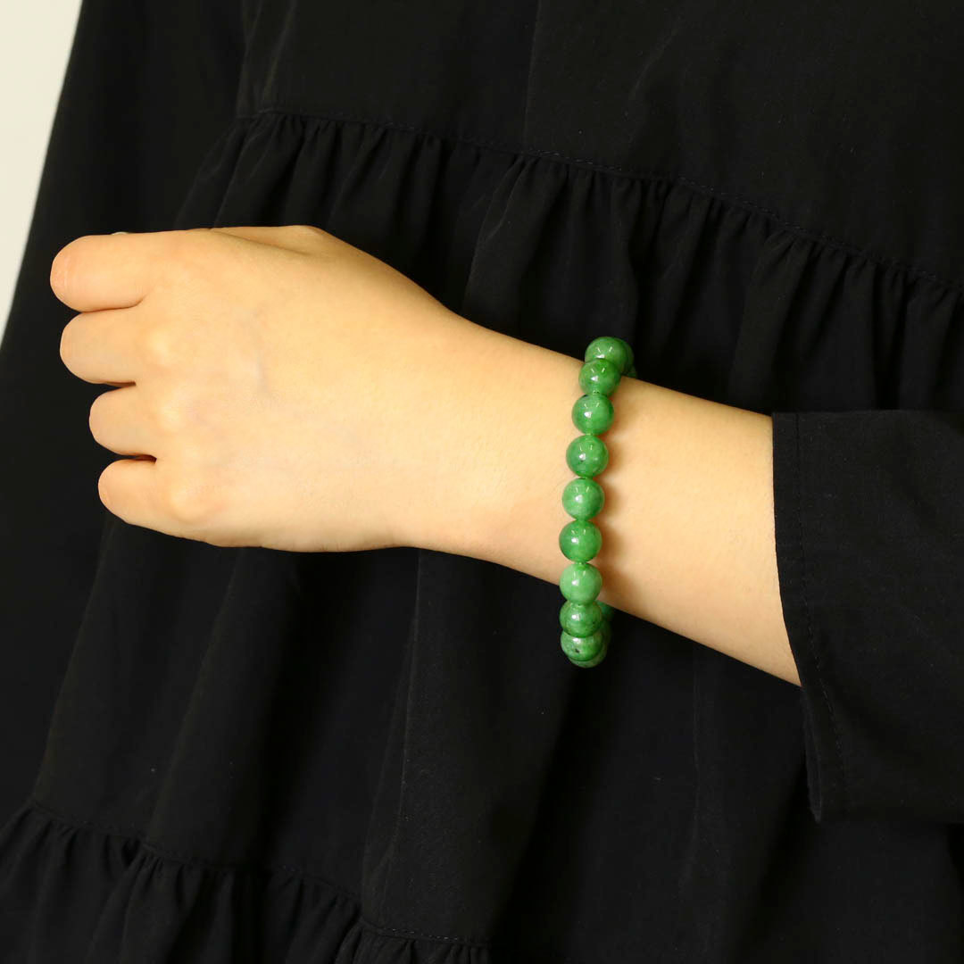 新緑を思わすみずみずしいネフライトのブレスレット_d0303974_13524903.jpg