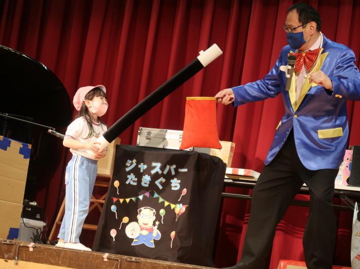 お誕生会に楽しいマジックショー(科学を使った)_a0212624_11541791.jpg