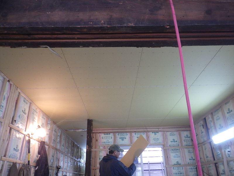 八幡町 町家改修工事 進行中!_f0105112_04022367.jpg