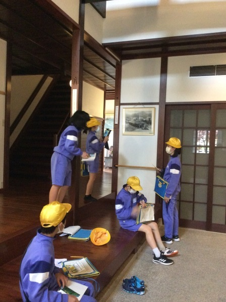 山中小学校:5~6年生(65人)「芭蕉の館」訪問_f0289632_18041876.jpg