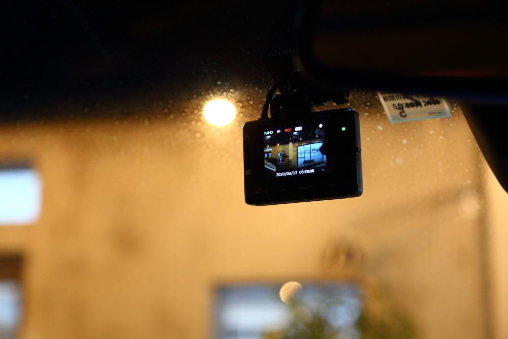 ブラックTJへシートの洗浄作業 デリカへ電装品取り付け_f0105425_18532372.jpg