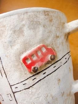 めいポタ 鈴木明美さんの即完売だった白い壁シリーズの新作のマグカップと定番で大人気のマグカップと中皿が超待望の再入荷!!!_b0225561_16315474.jpg