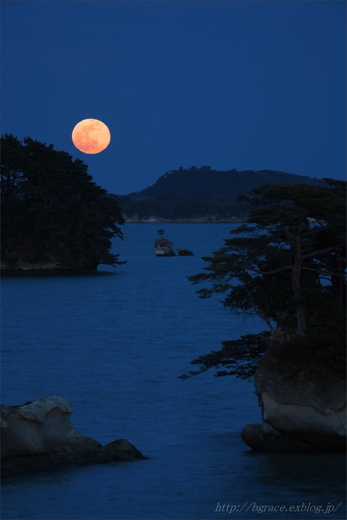 松島の月.1_b0191074_19373107.jpg