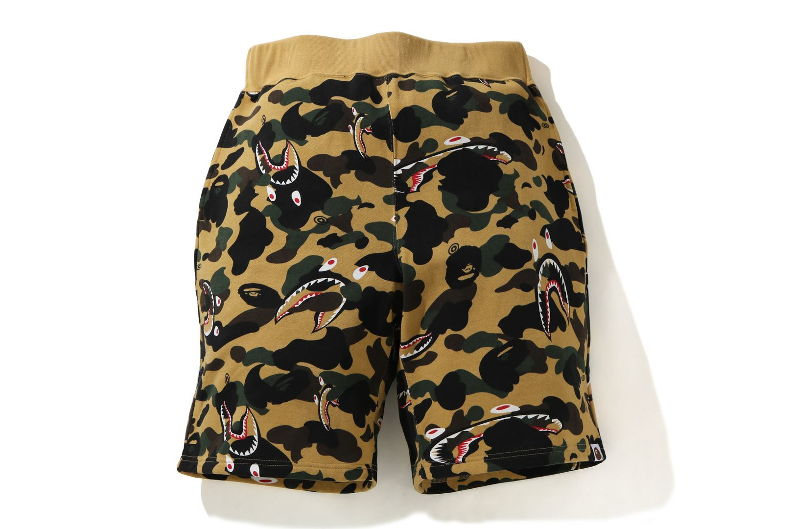 SHARK 1ST CAMO WIDE SWEAT SHORTS_a0174495_12372552.jpg