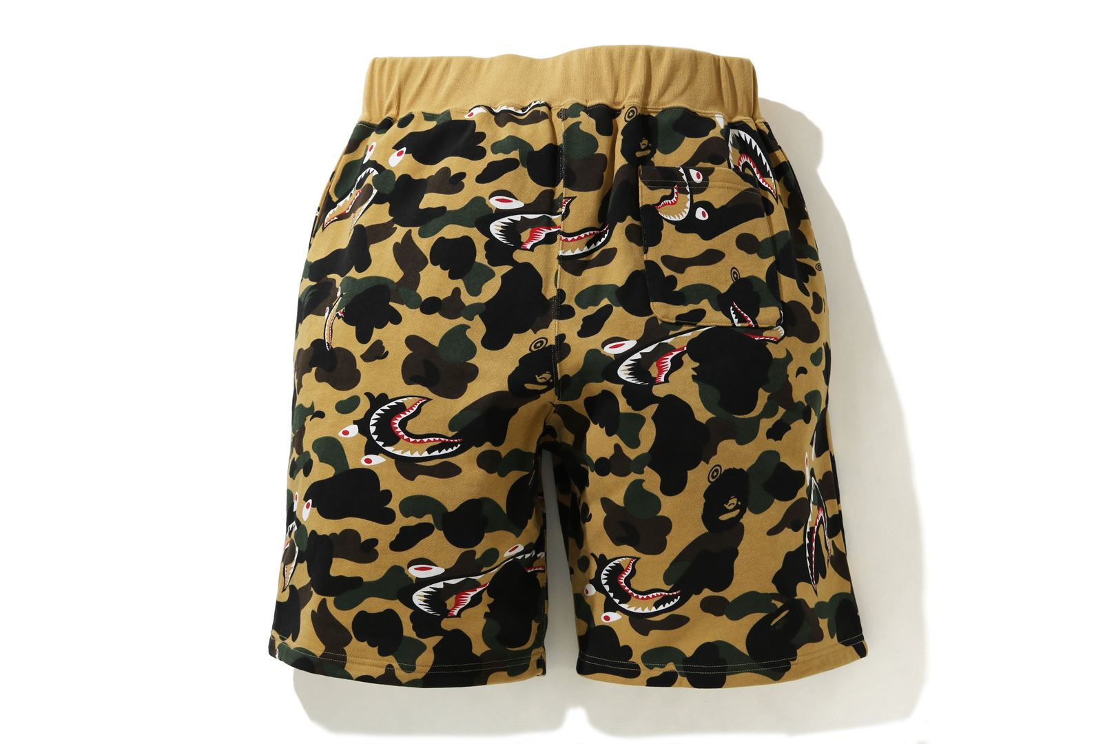 SHARK 1ST CAMO WIDE SWEAT SHORTS_a0174495_12373211.jpg