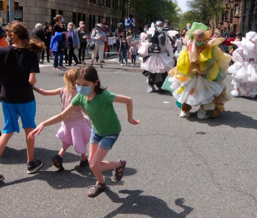 Time Lapse Danceの環境保護モダン・ダンスとニューヨークの子どもたち_b0007805_08172194.jpg