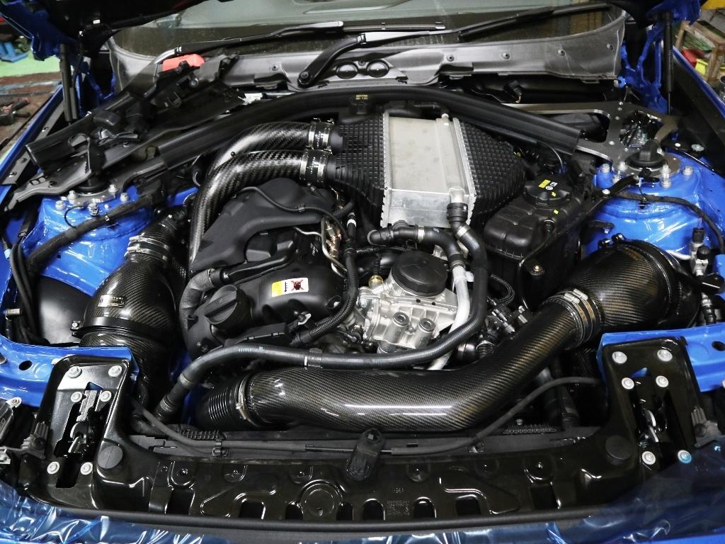 BMW M2CSに色々装着_e0188729_15044778.jpg