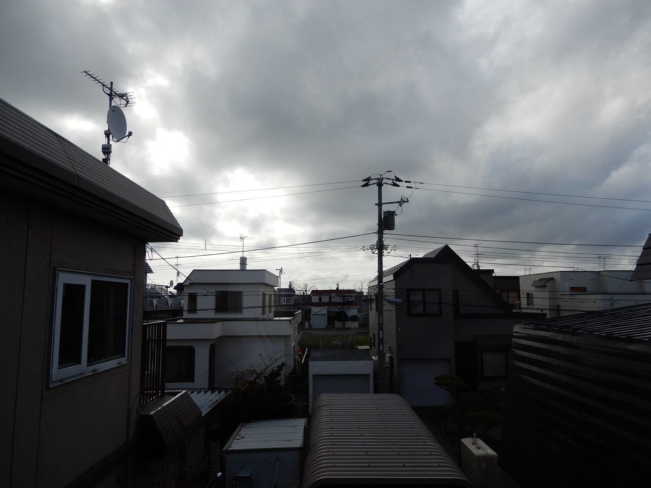 札幌も北海道も最多の新規感染者数を記録_c0025115_22123016.jpg