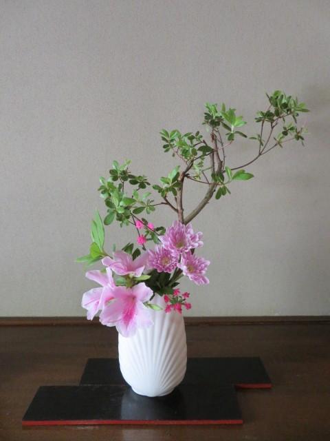 春の庭先に咲く花々_f0329849_21175148.jpg