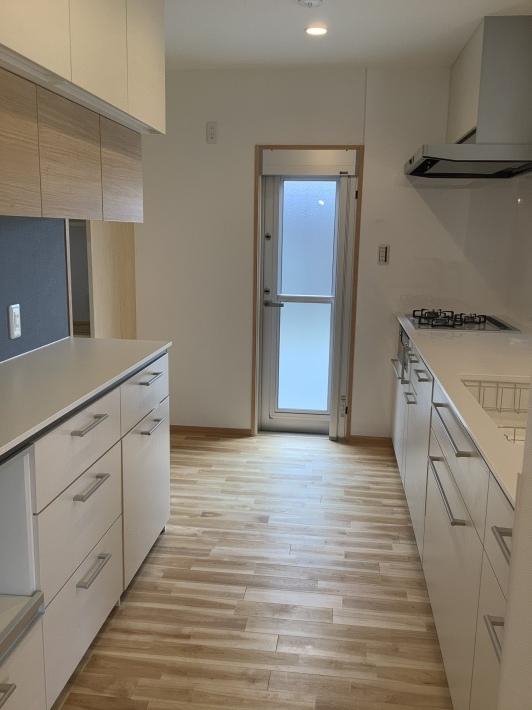 白いキッチン_a0129492_23463089.jpeg