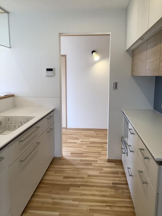 白いキッチン_a0129492_23494682.jpeg