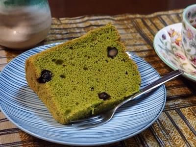 抹茶黒豆シフォンケーキ_f0129726_18184329.jpg