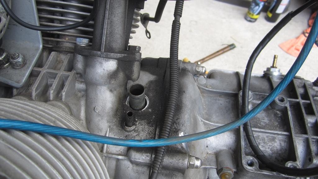 オイル漏れ修理・分解編1日目_c0377022_17321551.jpg