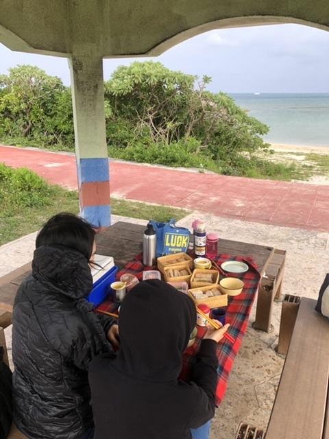 朝食ピクニック。_a0016090_20041574.jpeg