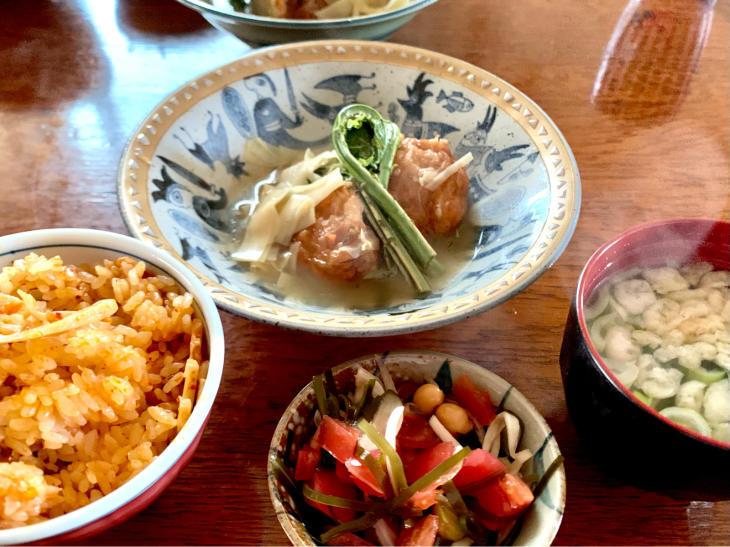 ある日の朝ごはん「炊き込みご飯」_b0093221_00031242.jpg