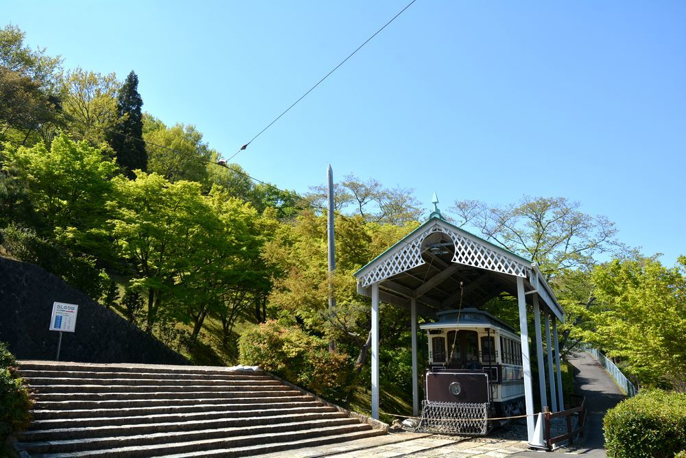 新緑の中の京都市電 名古屋電停付近1_e0373930_21171590.jpg