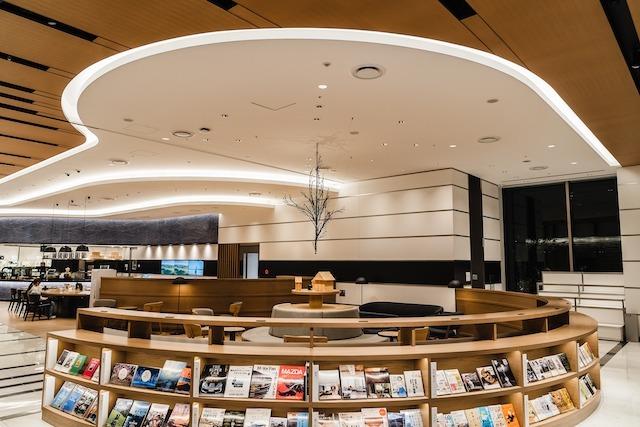広島銀行本店1階 : 創造「泡・羽ばたき」_b0072234_09023184.jpg