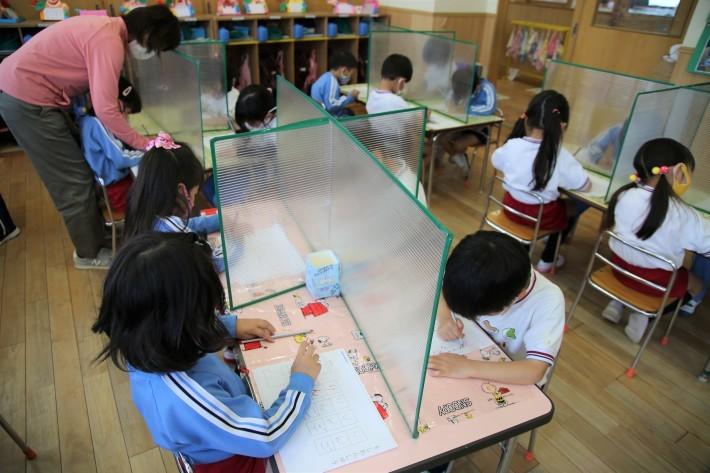 幼稚園生活頑張ってます_b0277979_16363870.jpg