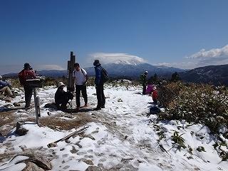 白草山から御嶽を眺める_e0064783_05475232.jpg