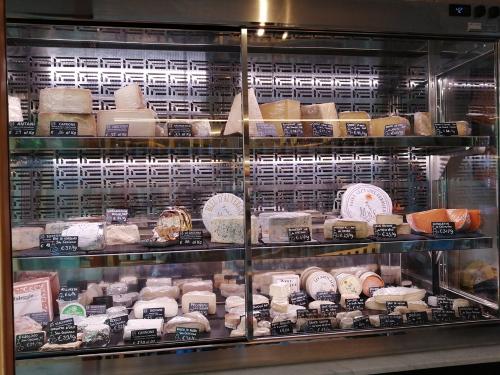 チーズが好きな方必見のニュースポット@Firenze_c0179785_05162466.jpg