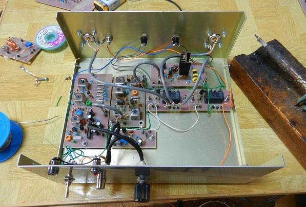 10.136MHz FT8送信機の組み立て−基板間の配線と実働試験_f0205744_21180899.jpg