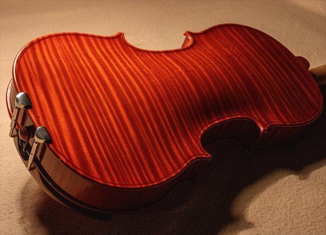 最新作ヴァイオリン、クレモネーゼモデルのご紹介_d0047461_05495431.jpg