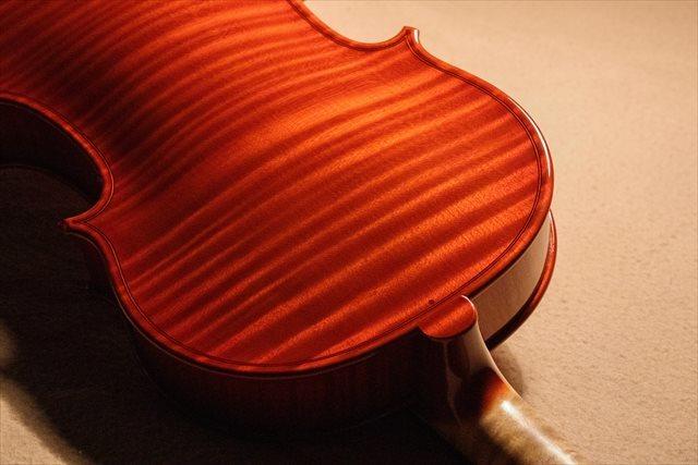 最新作ヴァイオリン、クレモネーゼモデルのご紹介_d0047461_05495481.jpg